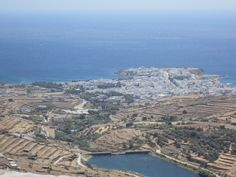 The port of Tinos Tinos Greece, Greek Islands, Planet Earth, Grand Canyon, Planets, Nature, Travel, Greek Isles, Naturaleza