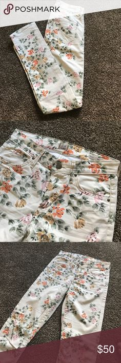 "{Citizens of Humanity} Floral Print Jeans Size 24 ""Mandy"" high waist retro slim roll up floral print jeans. Never worn. Size 24. Citizens of Humanity. Citizens of Humanity Jeans Skinny"