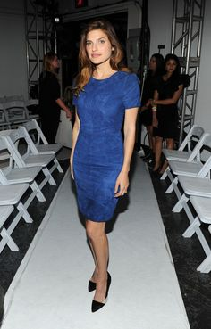 Lake Bell Photos - Lake Bell attends the Altuzarra fashion show during Mercedes-Benz Fashion Week Spring 2014 at Industria Superstudio on September 2013 in New York City. Celebrity Gowns, Celebrity Outfits, Celebrity Look, Ny Fashion Week, Fashion Show, Street Fashion, Modest Outfits, Modest Fashion, Lake Bell