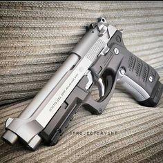 Beretta FS Inox с пластиковой накладкой! Weapons Guns, Guns And Ammo, Revolver, Armas Airsoft, Armas Wallpaper, Custom Guns, Military Guns, Cool Guns, Tactical Gear