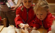 [b]Activiteiten[/b] - Klompjes schilderen mevrouw de Boer op FarmCamps Breehees Red Leather, Leather Jacket, Kids, Jackets, Studded Leather Jacket, Young Children, Down Jackets, Leather Jackets, Boys