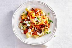 10 november - pappardelle + geitenkaas in de bonus = een saus bómvol groenten! - Recept - Allerhande