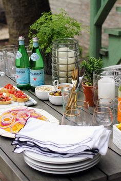 Summertime Alfresco Dining Made Easy #theeverygirl #sanpellegrino