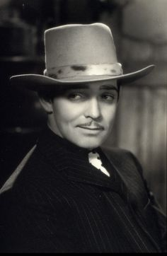 OMG Clark Gable was so handsome. I'm happy to say I share a birthday with him :) Hollywood Icons, Golden Age Of Hollywood, Vintage Hollywood, Hollywood Glamour, Hollywood Stars, Classic Hollywood, Classic Movie Stars, Classic Movies, Cinema
