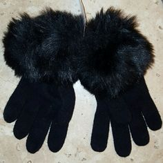 BLACK FAUX FUR TRIMMED KNIT GLOVES Faux fur trims lush, plush and velvety-soft stretch gloves GAP Accessories Gloves & Mittens