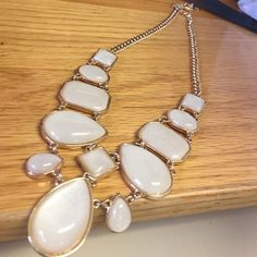 Costume jewlery necklace Lightly worn Jewelry Necklaces