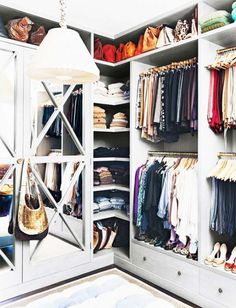 15 astuces indispensables pour organiser votre garde-robe