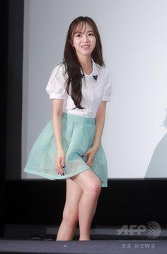 韓国・ソウルのシネマコンプレックス「CGV」여의도 Yeouido 汝矣島店で行われた、新番組「AOAのある素敵な日」の制作発表会に臨む、ガールズグループ「エイオーエイ」のメンバー(2015年6月10日撮影)。(c)STARNEWS ▼15Jun2015AFP|新番組「AOAのある素敵な日」の制作発表会、ソウルで開催 http://www.afpbb.com/articles/-/3051737 #AOA #에이오에이 เอโอเอ