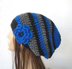 °°°°° Inspirations Bonnets , bérets ( sans grilles ) °°°°° - Bonnets et Echarpes au Crochet Hand Crochet, Hand Knitting, Knit Crochet, Slouchy Beanie, Beanie Hats, Slouch Hats, Crochet Crafts, Crochet Projects, Tejidos