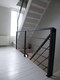 "Résultat de recherche d'images pour ""garde corps escalier"" Modern Stair Railing, Modern Stairs, Foyer Design, House Design, Narrow Staircase, Open Trap, Foyer Decorating, Attic Rooms, Love Home"
