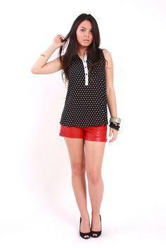 Blusa Polka Dots + Mini Shorts Couro by Innocence Fashion, via Flickr