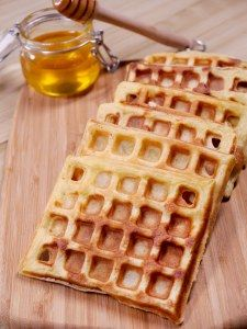 Gaufres faciles et légères - The Best Breakfast and Brunch Spots in the Twin Cities - Mpls. Batch Cooking, Cooking Recipes, Crepes And Waffles, Desserts With Biscuits, Cooking Cookies, Vegan Dessert Recipes, Waffle Recipes, Best Breakfast, Winter Food