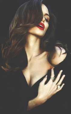 Angelina Jolie- black, red lips, and gorgeous hair. She is the definition of class/SUPER HOT! Pretty People, Beautiful People, Beautiful Women, Beautiful Soul, Angelina Jolie Pictures, Angelina Jolie Photoshoot, Angelina Jolie Hair, Woman Crush, Boudoir Photography