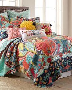 Jacobean Floral Luxury Quilt Collection