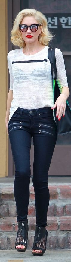 Love this style. But jeans would have to have some stretch. And top couldn't be see thru. Lol