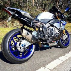 OH MY R1M. DoubleTap that titanium! #superbikes2015 #universalbikers #yamaha #r1m #2015 #blue #grey #black #like #bikelife #followme #follow @bikersofinstagram @greggnoble by superbikes2015