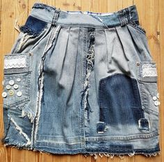 Saias Jeans - Saia Jeans Upcycled No. Denim Fashion, Denim Ideas, Tulip Skirt, Mode Chic, Patched Jeans, Jeans Rock, Vintage Denim, Denim Skirt, Textiles