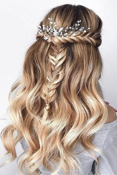 Wedding Hairstyles Updo 30 Bridal Hairstyles for Perfect Big Day; Braid styles for long or medium length hair; Easy hairstyles for women. Wedding Hairstyles Half Up Half Down, Wedding Hairstyles For Long Hair, Down Hairstyles, Hairstyles For Graduation, Pretty Hairstyles, Prom Hairstyles For Medium Hair, Prom Hair Medium, Hairstyles For Women Long, Braided Bridal Hairstyles
