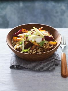 Barley Bowl with Dates and Roasted Vegetables Healthy Veg Recipes, Vegetarian Recipes, Cooking Recipes, How To Cook Barley, Cooking Barley, Cooking Lobster Tails, Cooking Hard Boiled Eggs, Cooking Pork Tenderloin, How To Cook Meatloaf