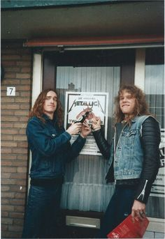 Cliff Burton RIP and James Hetfield. we're Metallica ' :) Rock N Roll, Cliff Burton, We Will Rock You, James Hetfield, Thrash Metal, Metalhead, Metal Bands, Music Is Life, Rock Music