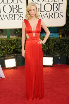 Pin for Later: Die glamourösesten Kleider vergangener Golden Globes January Jones in Versace bei den Golden Globes (2011)