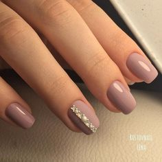 Beautiful Nail Designs To Finish Your Wardrobe – Your Beautiful Nails Simple Nail Art Designs, Best Nail Art Designs, Beautiful Nail Designs, Rhinestone Nails, Bling Nails, Nude Nails, Gel Nails, Nail Polish, Nagel Bling