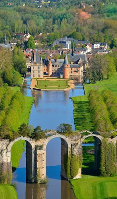 Chateau de Maintenon and the Maintenon Aquaduct, Indre e Loire, Centre, France Places Around The World, Oh The Places You'll Go, Places To Travel, Travel Destinations, Places To Visit, Around The Worlds, Beautiful Castles, Beautiful World, Beautiful Gardens