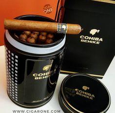 Cigars And Whiskey, Good Cigars, Pipes And Cigars, Zigarren Lounges, Cheap Cigars, Whiskey Room, Cigar Smoking, Smoking Pipes, Cigar Art