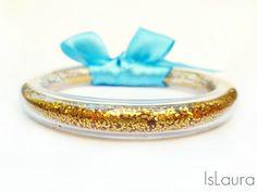 bracciale glitter dorato utilizzando il tubo per livelli, tasselli di legno, glitter e nastri