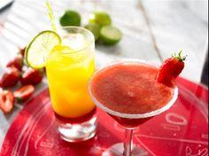 Die fruchtige Variante der klassischen Margarita – frischer Erdbeersaft gemixt mit Tequila, Orangenlikör und frisch gepresstem Limettensaft.