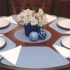 Genial Blue/White Wipe Clean Wedge Shaped Placemat For Round Tables