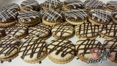 Pudim de bolachas com chocolate - Butterkekskuchen - Sweet Cooking, Chocolate, Recipe Box, Macarons, Christmas Cookies, Ramen, Muffins, Deserts, Food And Drink