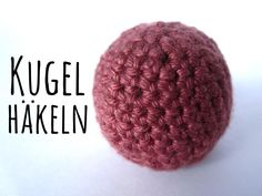 Kugel bzw der Ball ist eine der am häufigsten verwendeten Formen beim Amigurumi häkeln bzw Abwandlungen dieser. Baby Knitting Patterns, Crochet Patterns, Diy For Kids, Baby Toys, Fabric Crafts, Crochet Baby, Creations, Trendy Baby, Google Play