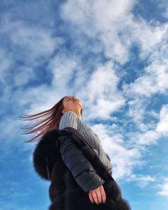 Winter sky sky Winter is part of Girl photography poses - Creative Portrait Photography, Portrait Photography Poses, Photography Poses Women, Tumblr Photography, Levitation Photography, Water Photography, Photography Backdrops, Ideas For Photography, Photography School