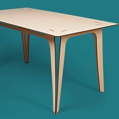 Lightweight and elegant…wonder if they ship to Aus? Mundo das Casas See more here: www.mundodascasas… Lightweight and elegant…wonder if they ship to Aus? Mundo das Casas See more here: www. Cnc Furniture, Design Furniture, Furniture Projects, Plywood Table, Plywood Floors, Dining Table Design, Furniture Inspiration, Wood Design, Interior