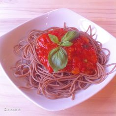 Yummi spelt spaghetti for lunch- homemade real italian pommodoro sauce #pasta#pastas #spaghetti #lunch #lunchtime #plantbased #plantstrong #picoftheday #photooftheday #bestoftheday #instagood #instafollow #instamood #instarunners #isilabellefood #love #vegan #veganism #vegansofig #vegetables #fit #fitfam #fitspo #fitfood #fitness #hclf #healthy #highcarb #hclffitlife #cleaneating