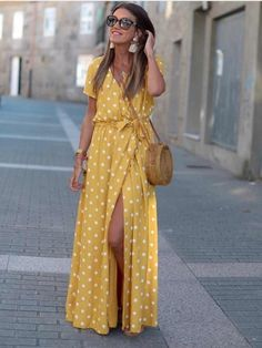 Vestido Lunares, mostaza, Mariquita Trasquilá Beautiful Casual Dresses, Stylish Outfits, Cute Outfits, Mode Abaya, Diy Vetement, Bohemian Mode, Summer Outfits, Summer Dresses, Mode Style