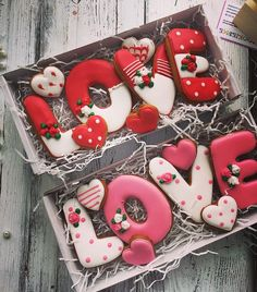 Love Cookies for valentines day Valentines Day Cookies, Valentines Food, Valentine Cookies, Holiday Cookies, Valentine's Day Sugar Cookies, Iced Cookies, Cute Cookies, Cupcake Cookies, Cookie Gifts