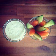Wortel komkommer snack met frisse tzatsiki voor #detox http://eshop.missnatural.nl/cleanstart
