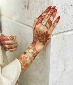 Henna Hand Designs, Mehndi Designs Finger, Modern Henna Designs, Latest Henna Designs, Floral Henna Designs, Stylish Mehndi Designs, Mehndi Designs For Girls, Mehndi Design Photos, Wedding Mehndi Designs