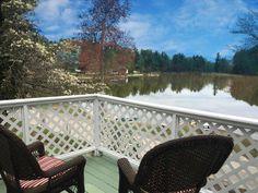 Cottage vacation rental on lake