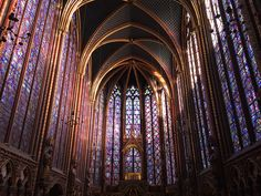 Sainte-Chapelle (Holy Chapel), a royal medieval Gothic chapel, in the center of Paris. Photo by Brian Kaylor. Sainte Chapelle Paris, Saint Chapelle, Paris Travel Guide, Travel Tours, Gothic Architecture, Cathedral Architecture, Place Of Worship, Beautiful Buildings, Kirchen
