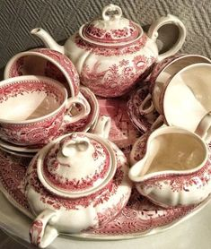 Ideas For Kitchen Blue Red White Dishes Antique China, Vintage China, Red And Pink, Red And White, Christmas Tea, Christmas China, White Dishes, Tea Service, Vintage Dishes