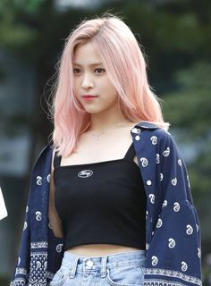 190628 ITZY's Ryujin on the way to Music Bank. AMx