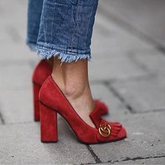 red Gucci heels - Gucci Pumps - Ideas of Gucci Pumps - red shoes Red Shoes, Cute Shoes, Me Too Shoes, Red Pumps Outfit, Look Fashion, Fashion Shoes, Womens Fashion, Gucci Fashion, Red Fashion