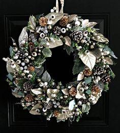 NEW Winter Green & Gold Christmas Wreath