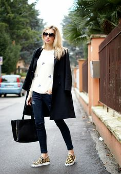 slip ons, slip on, leopard slip on, meadows, sugarhill, nowistyle, ripped jeans, model, blonde, themidniteblues, ootd, fashion, fashion blogger, street style, style, spain, barcelona, italy, winter, look, outfit, vintage, preppy, chic, trends, mercedes maya, http://themidniteblues.blogspot.it/2014/03/slip-ons.html#more