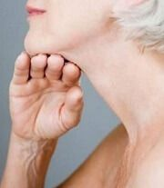 by John Socratous, Market Researcher Author of best seller: The Face Fitness Formula  Give that chin a thorough workout You probably didn't know that there are double chin exercises you can do to tighten up your neck and lose that fat. And these double chin exercises are pretty simple and anyone can find the …