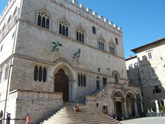 Civil weddings are becoming more and more popular nowadays. Here is the list of the most beautiful Town Halls in Palazzo dei Priori (Perugia)Palazzo d Getting Married In Italy, Free Advice, Civil Wedding, Civil Ceremony, Italy Wedding, Town Hall, Palazzo, Most Beautiful, Mansions