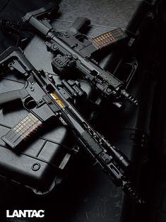 Weapons Guns, Guns And Ammo, Shotguns, Firearms, Armadura Sci Fi, Ajin Anime, Custom Guns, Home Defense, Military Guns